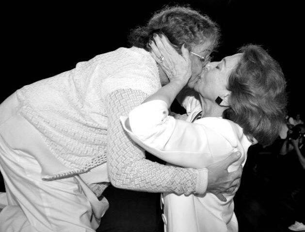 Camilla Amado e Fernanda Montenegro na 7ª Edição do Prêmio APTR, no Imperator, em março de 2013