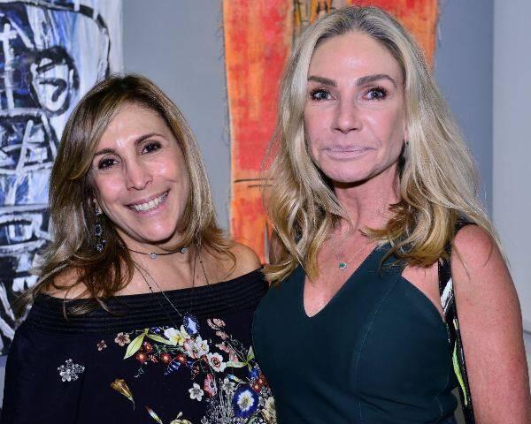 Carla Buffara de Almeida e Cristiane Mocellin
