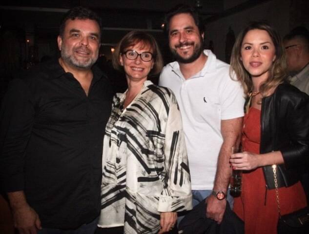 O casal Míriam e Ariosto Amado com Horácio Ernani e Daniela D'Antonio