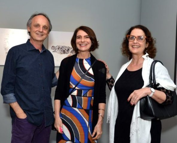Monica Barki entre Sergio e Diana Shcolnik