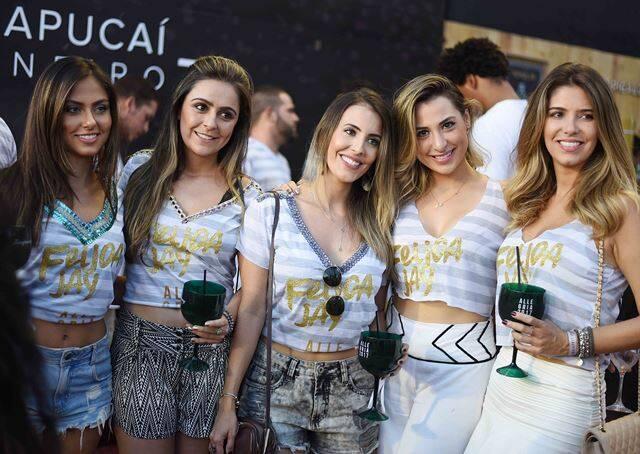 Camila Bueno, Stephany Campos, Thainá Naback, Sarah de Oliveira e Lígia Cioni
