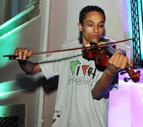 Deisson Rodrigues Silva, do projeto Rio em Harmonia