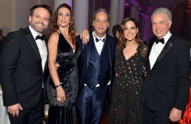 André Maranhão, o casal Isabel e Luciano Chaves, Carol Sampaio e Volney Pitombo