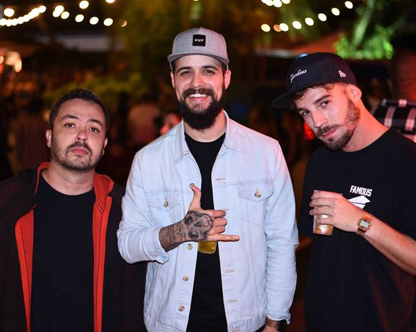 Os DJs Rapha M, Vítor Roncca e Saraiva