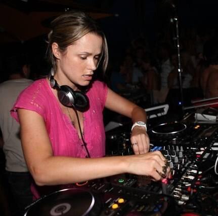 DJ TATI FONTES