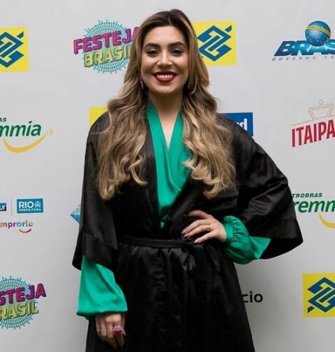 A cantora sertaneja Naiara Azevedo, uma das atrações do Festival