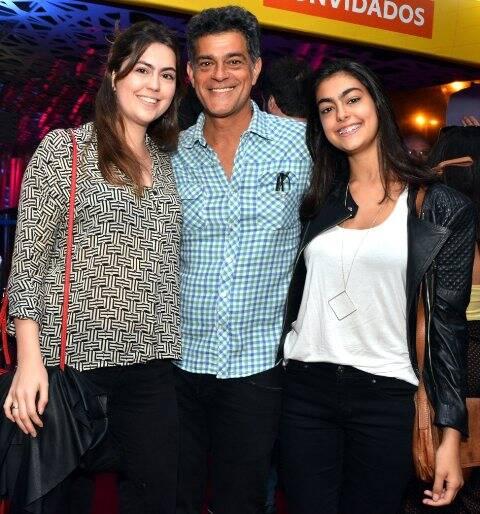 Eduardo Moscóvis com as filhas Gabriela e Sophia
