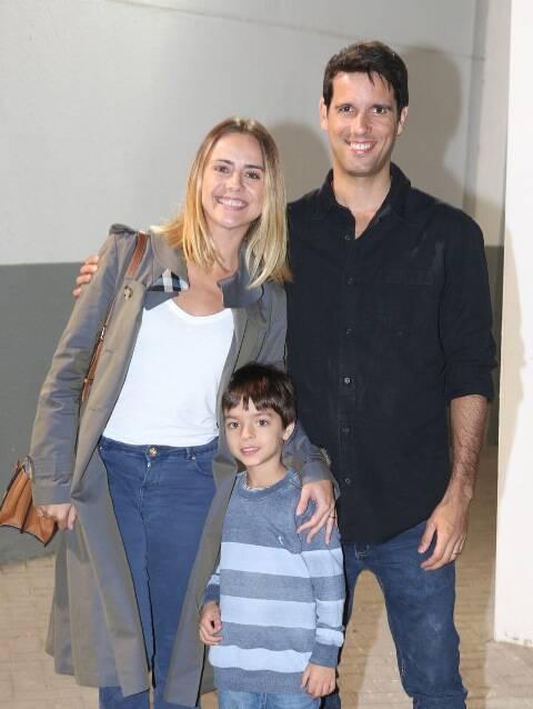 Juliana Silveira, João Vergara e o filho, Bento