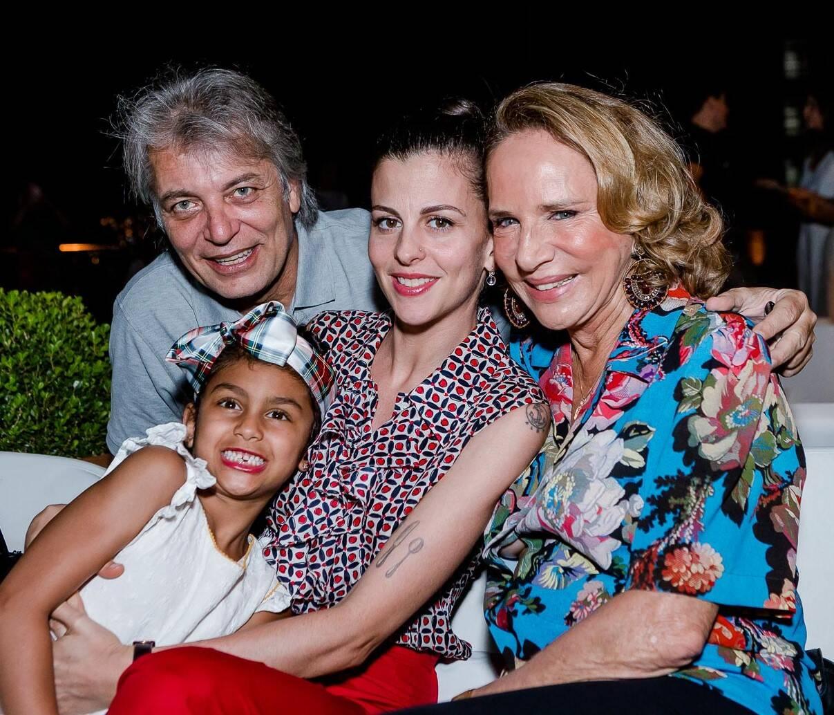 Lulu Lima e Silva,  Índigo e Nina Clemente e Lenny Niemeyer /Foto: Bruno Ryfer