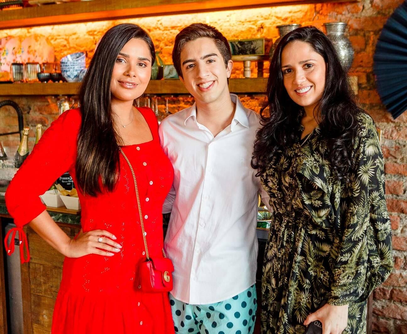 Yasmin Miranda, Paulo Henrique Rufino e Marjorie Egypto / Foto: Bruno Ryfer