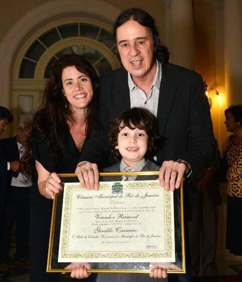 Ana Paula Pedro e Geraldinho Carneiro com o filho Vinícius