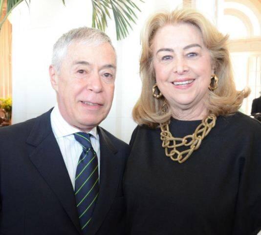 Alejandro Hurtado, cônsul da Argentina, e Diana Vianna