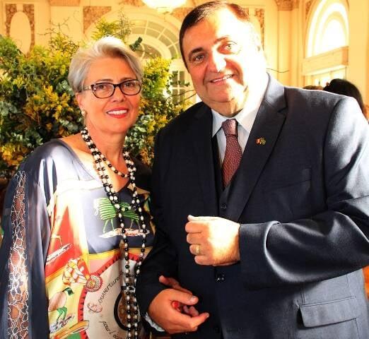 O cônsul da Romênia Ovídio Grece e Liliana
