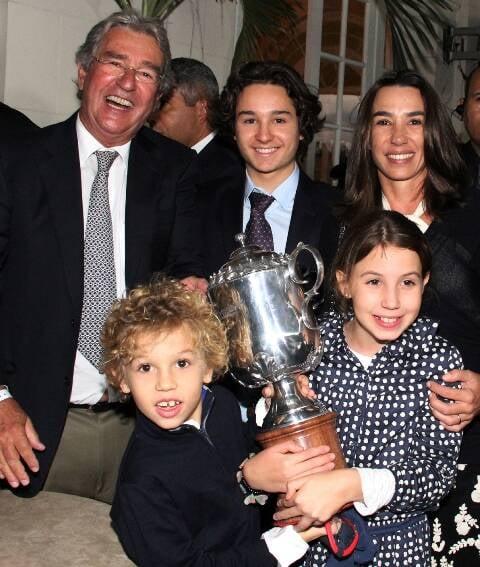 Alfredo Grumser e os filhos Antônio, Georgeana, Pedro e Luiza