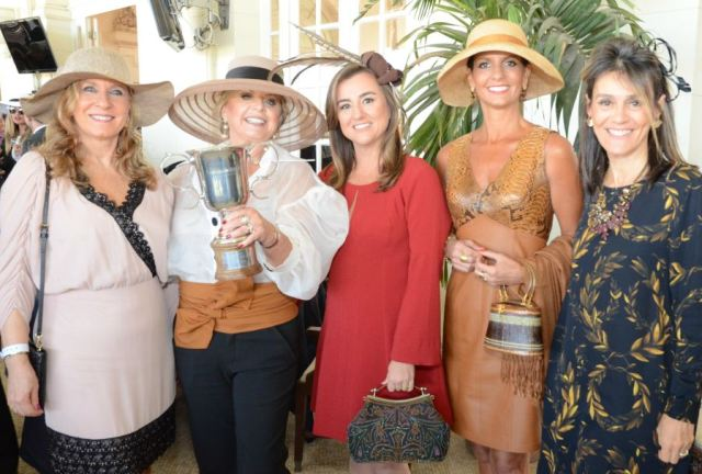 Rosa Comelato, Hebe, Patrícia e Ana Maria Iskovitz e Ana Carolina Kessler