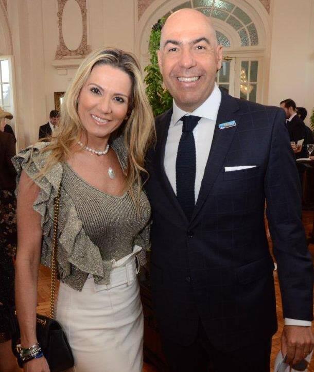 O casal Adriana e Marcelo Alves