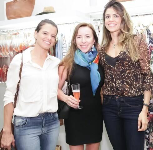 Danielle de Carvalho, Marta Castilho e Nayla Carvalho