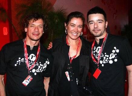 Lilia Cabral entre André Piva e Carlos Tufvesson, em 2010  /Foto: Arquivo site Lu Lacerda010