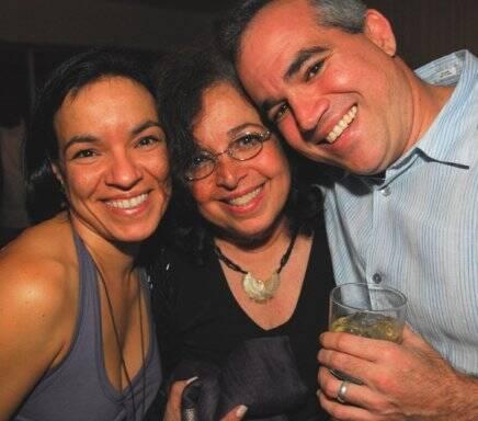 Camilla Amado com os filhos, Rafaela e Rodrigo , em 2010 /Foto: Arquivo site Lu Lacerda