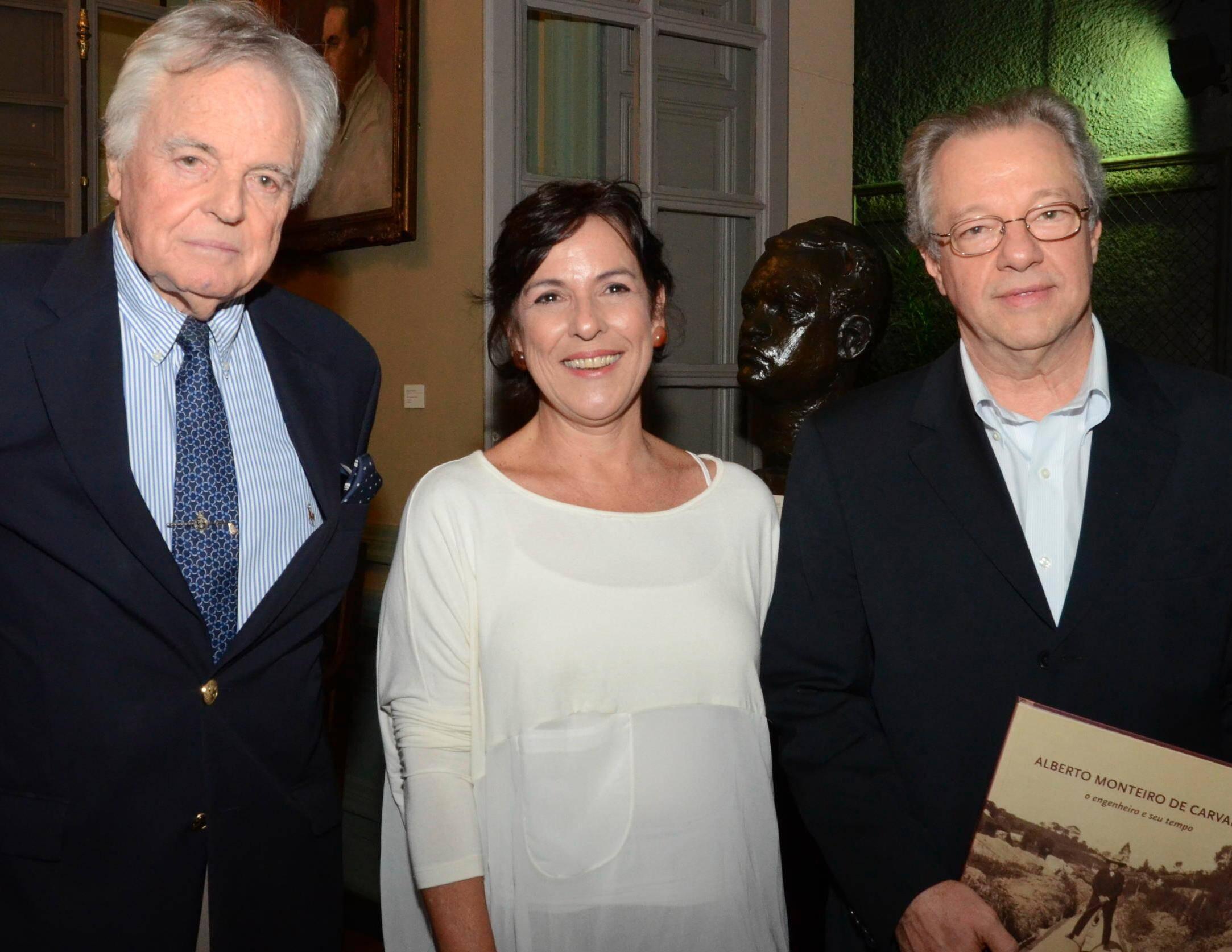 Dom Eudes de Orleans e Bragança, Cláudia Pinheiro e João Alfredo Viegas, em 2012 /Foto: Arquivo site Lu Lacerda