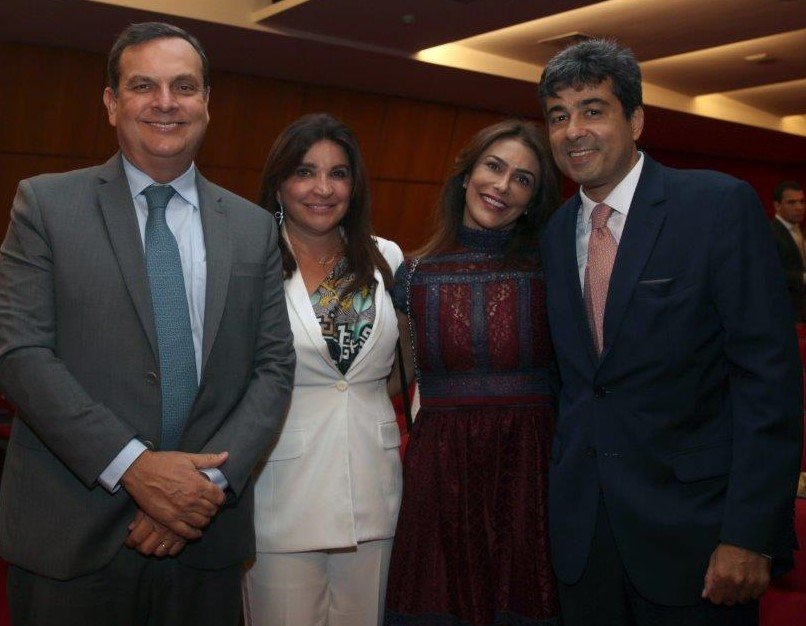 O casal Rosara e Eduardo Maneira e os irmãos Maria Cecilia e José Fernando Aparecido de Oliveira  /Foto: Felipe Valentim