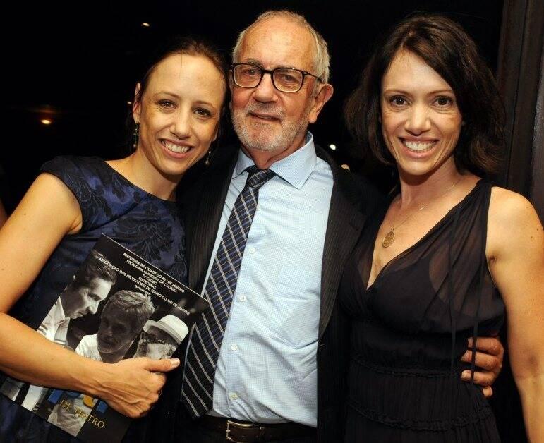 Paulo José entre as filhas, Ana e Bel Kutner, em 2012  /Foto: Arquivo site Lu Lacerda