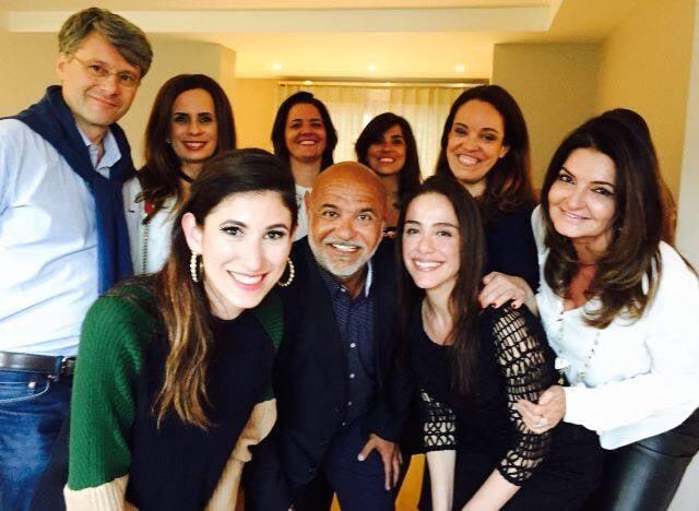 Todos reunidos, com Paulo Pereira no centro