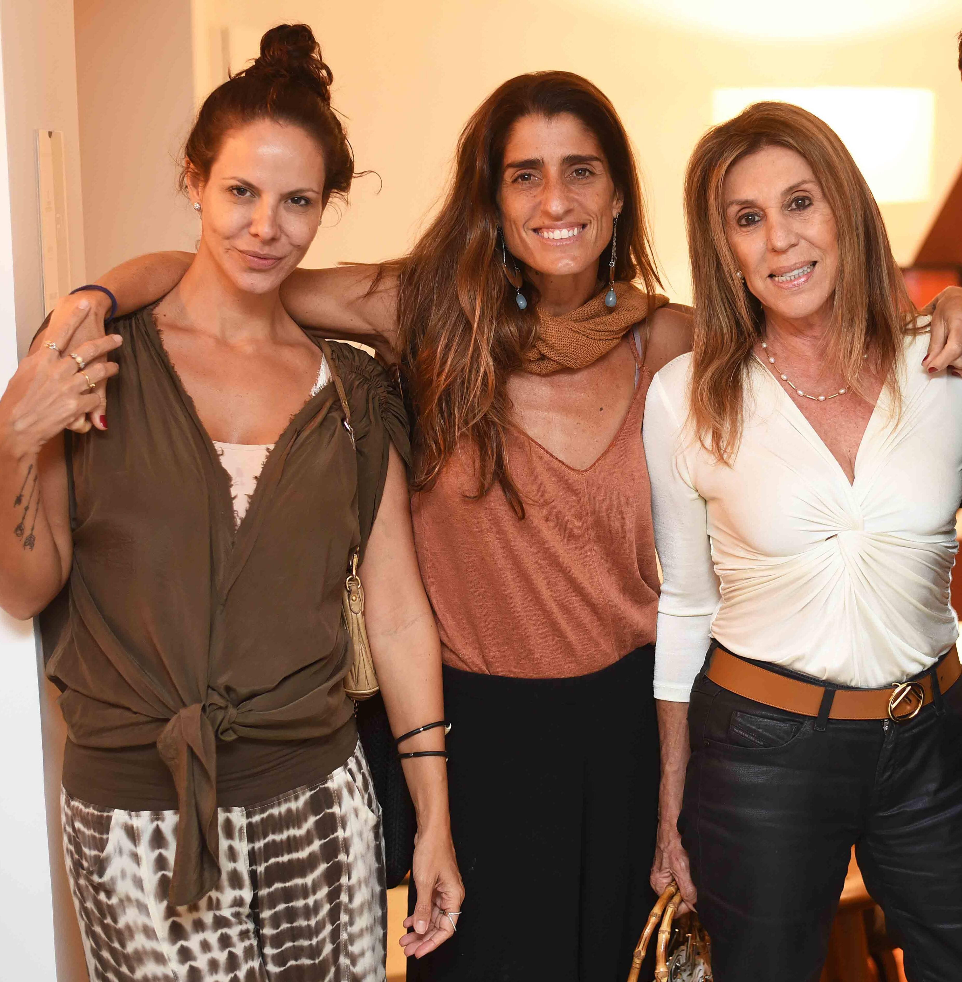 Carolyna Vaz, Cynthia Howlett e Ligia Schuback  /Foto: Ari Kaye