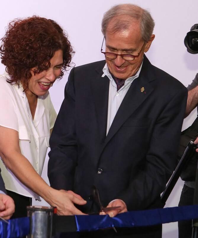 Flavia Quaresma e André Cointreau cortando a fita da inauguração oficial  /Foto: Gianne Carvalho