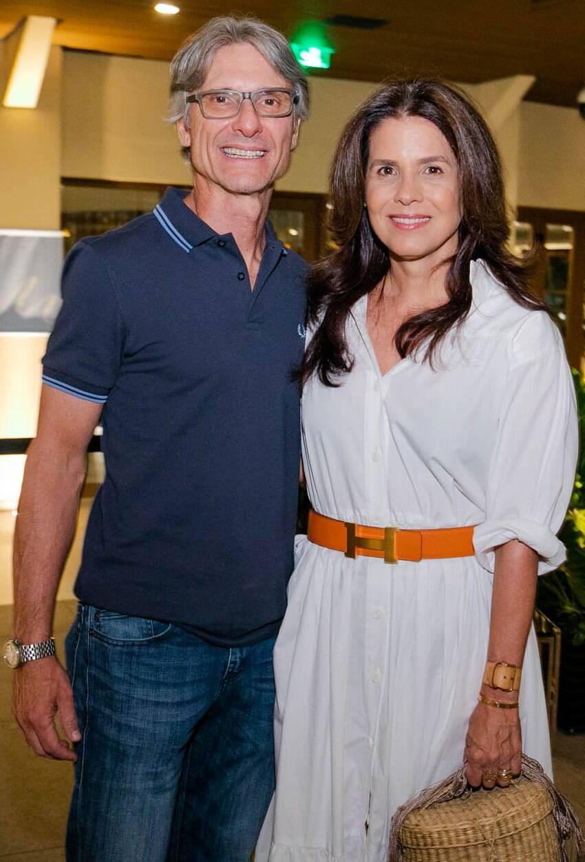 O casal Ricardo Licht e Angela Hall /Foto: Miguel Sá