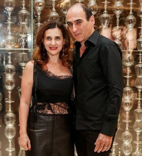 Amir Slama com a mulher Riva