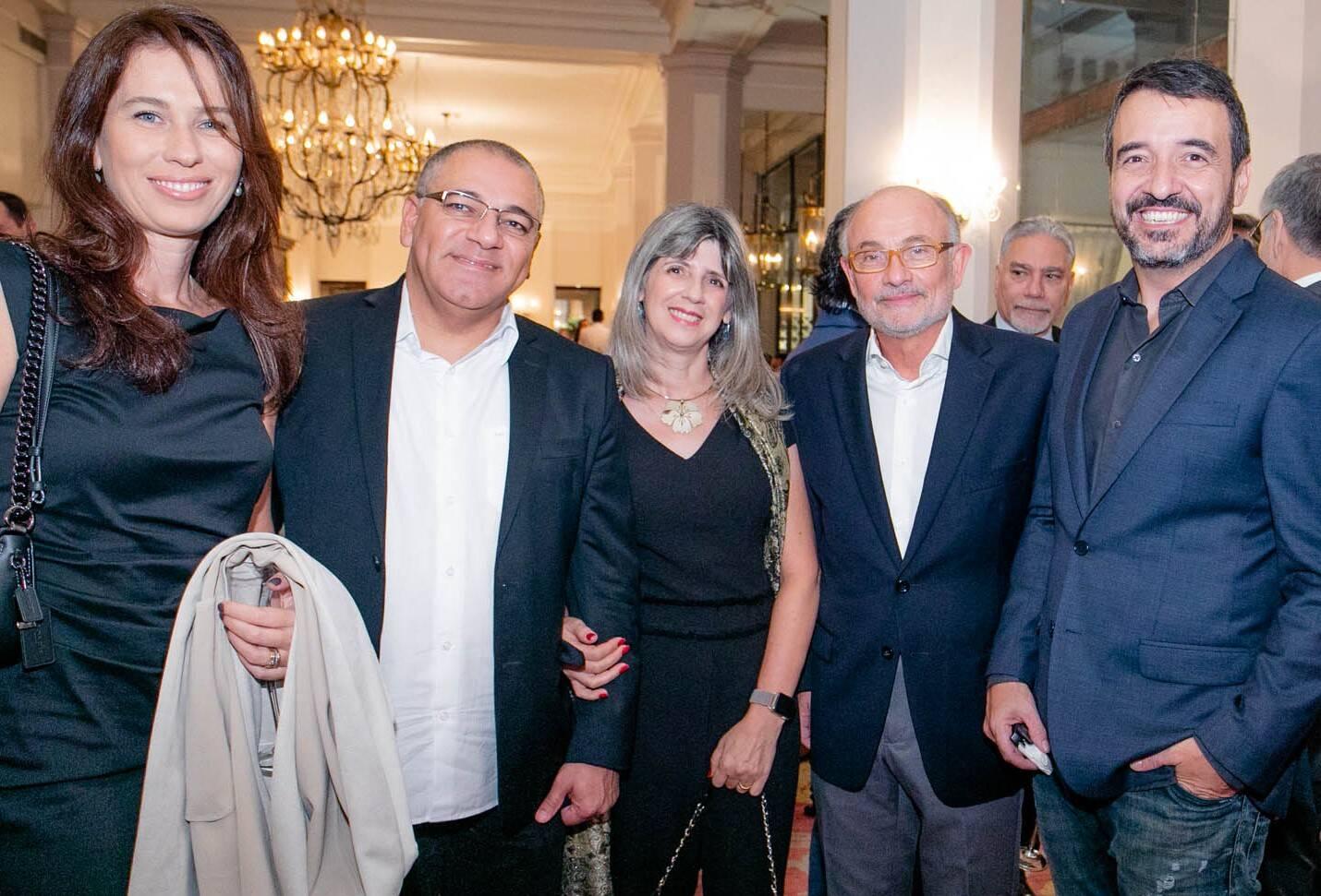 Alessandra Borges, Fabiano Freitas, Silvana Freitas, Marcos Borges e Cyd Alvarez /Foto: Miguel Sá