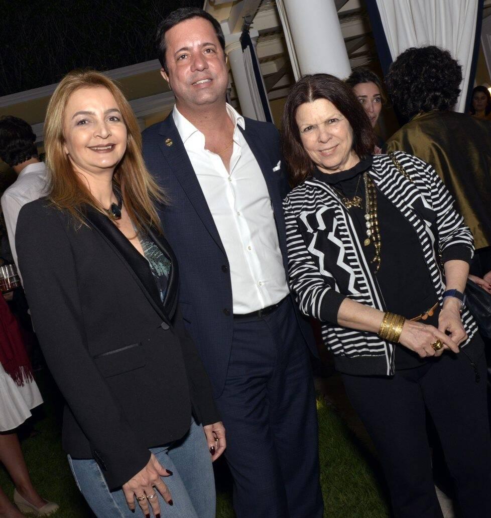 Simone Cadinelli, Eduardo Braule-Wanderley e Vanda Klabin  /Foto: Cristina Granato