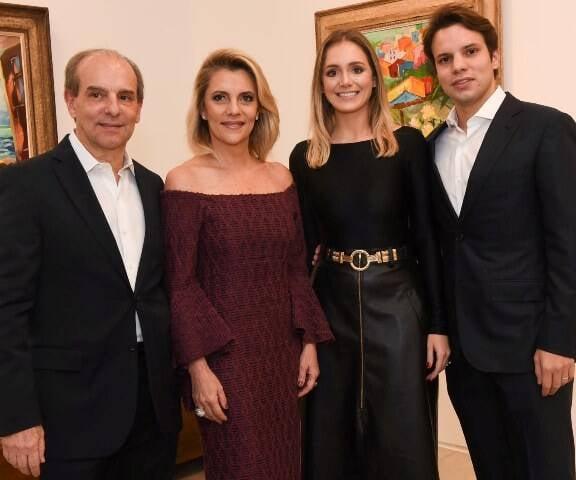 Waldir. Fávia Alessandra e Guilherme Simões de Assis