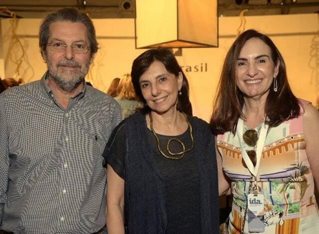 Paulo e Patricia Libergott com Anna Clara Tenenbaum