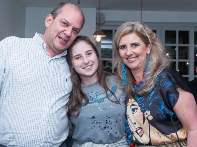 Alberto Eduardo Levier, Anna Catharina Archer e Kika Gama Lobo