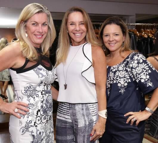 Thais Furlan, Julianne Savio e Rosangela Darze