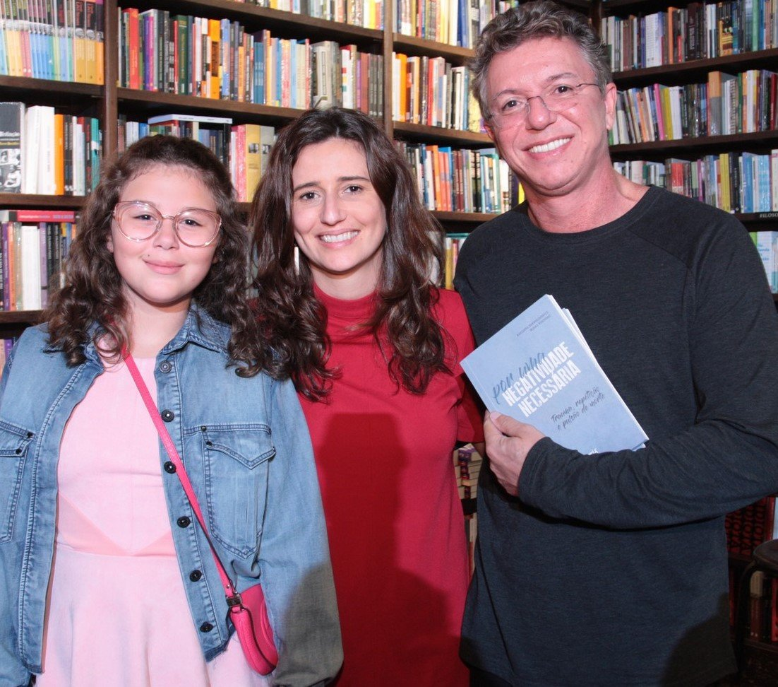 Isabella de Oliveira, Marianna Tamborindeguy de Olveira e Boninho /Foto: Vera Donato