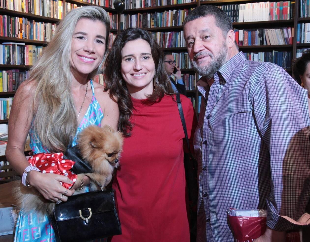 Marianna Tamborindeguy de Oliveira entre Fernanda Capobianco e Wlater Guimarães /Foto: Vera Donato