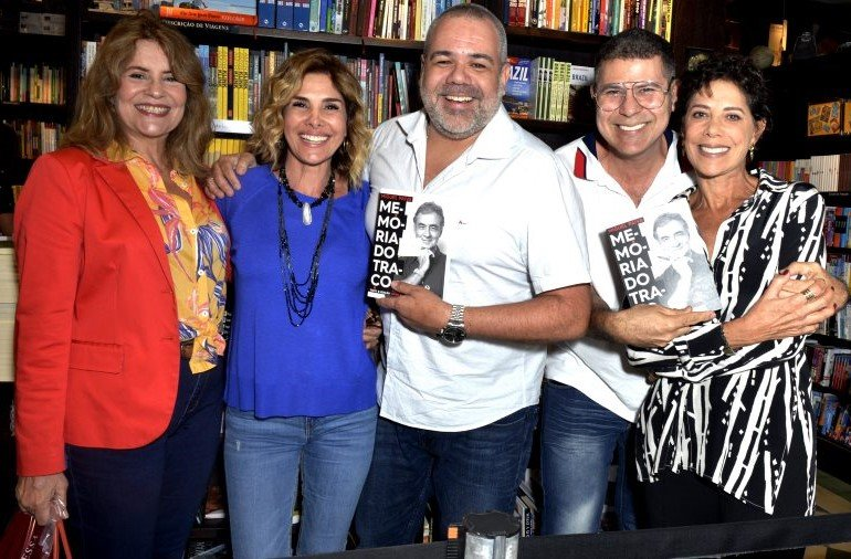 Sylvia Bandeira, Helena Fernandes, Marcus Montenegro, Cacau Hygino e Angela Vieira  /Foto: Crisitna Granato