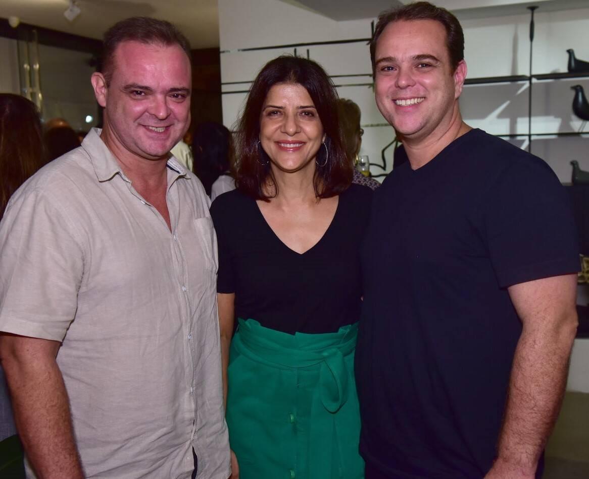 Pedro Szalay, Cristina Bezamat e Hélio Szalay /Foto: Paulo Jabur