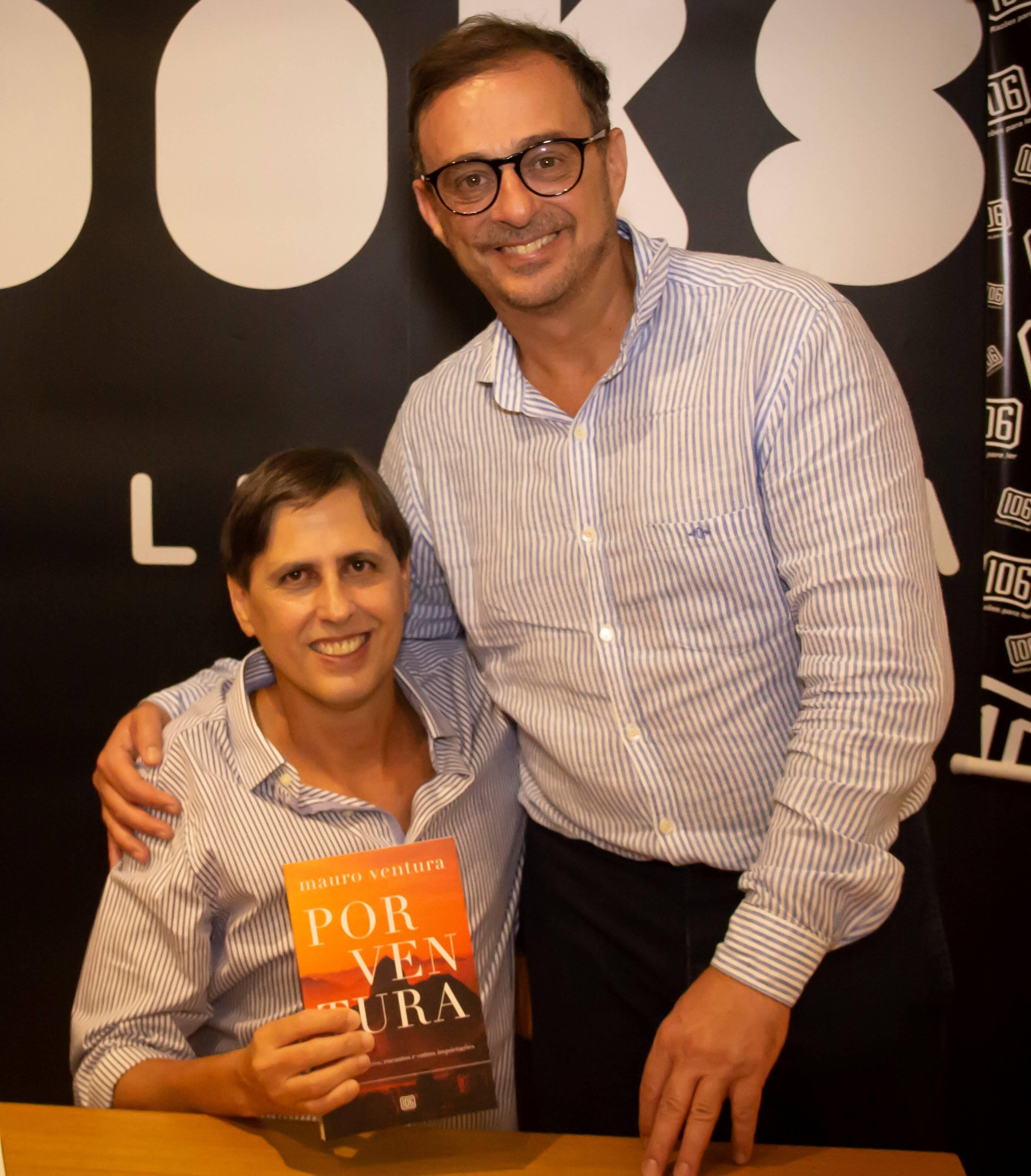 Mauro com o comentarista da Globonews Octávio Guedes /Foto: Marcelo Brandão