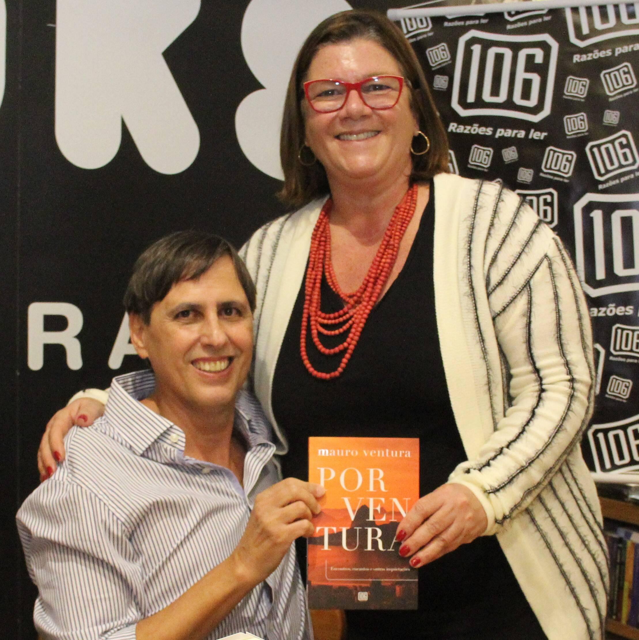 Mauro com a juíza e escritora Andréa Pachá /Foto: Marcelo Brandão