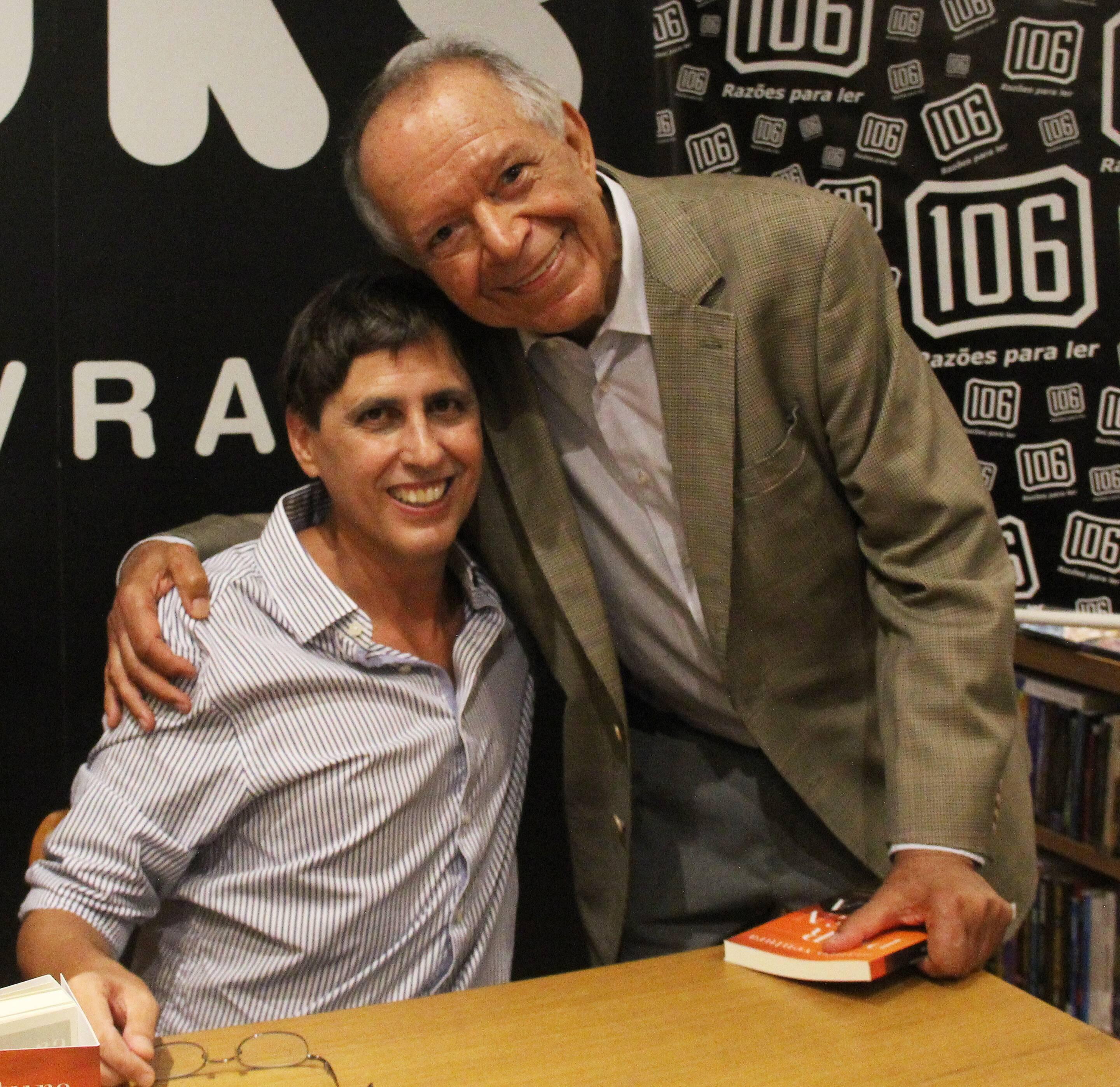 Mauro Ventura com o escritor Antônio Torres /Foto: Marcelo Brandão