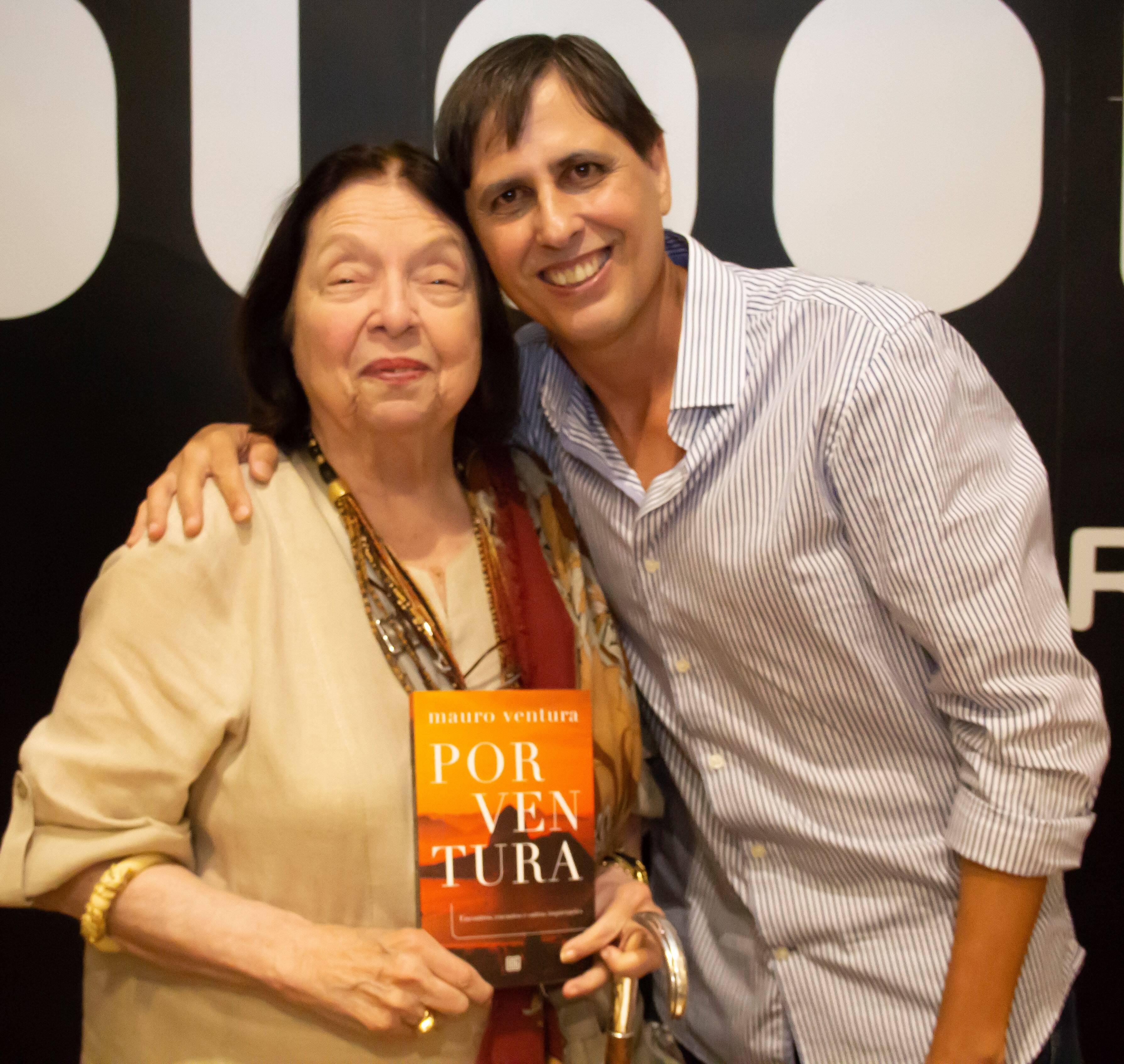 Mauro Ventura com a escritora e acadêmica Nélida Piñon /Foto: Marcelo Brandão