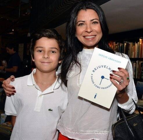 Ana Lima com o filho Davi
