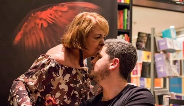 Diana Meisler com o filho Rony
