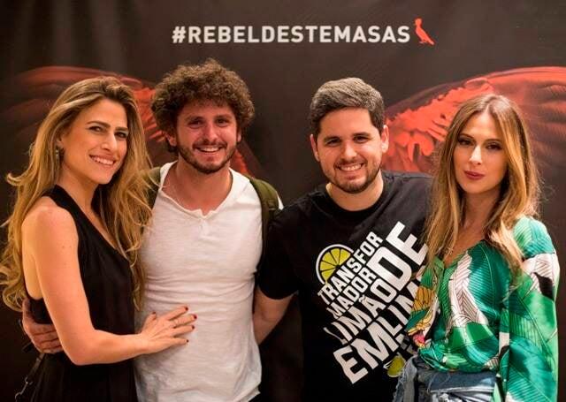 Juliana Reznik com André, Rony e Anny Meisler
