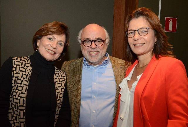 Janjão Garcia entre Heloisa e Kiki Fabbriani