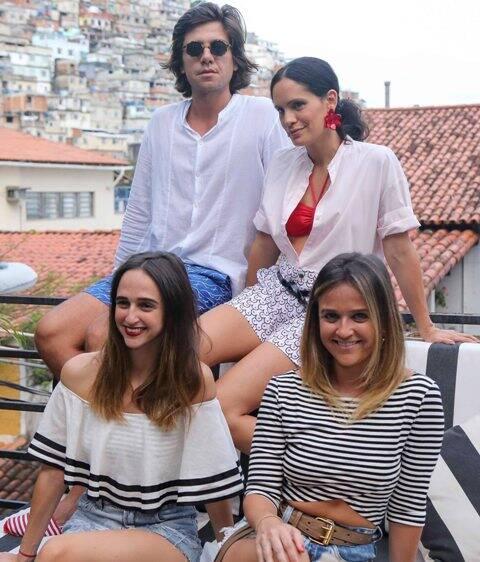 Pedro Rosman, Gisele Pecego, Isabel e Maria Teixeira de Mello